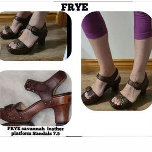 FRYE savannah buckle leather platform Sandals  7.5